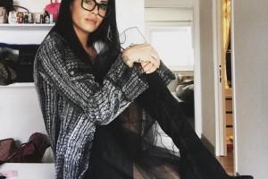 Claudia Nainggolan veste Hechizo